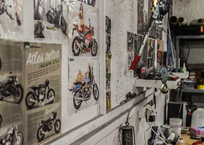 Plakáty starých moto